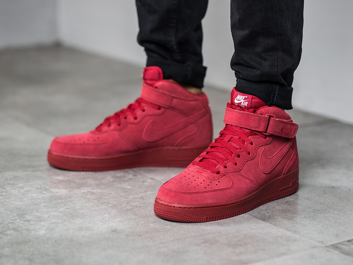 NIKE AIR FORCE ONE MID RED