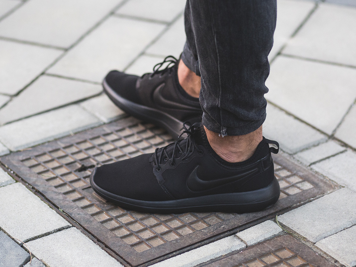 uk availability 21c32 b5a94 Forever an icon. nike roshe two leather premium