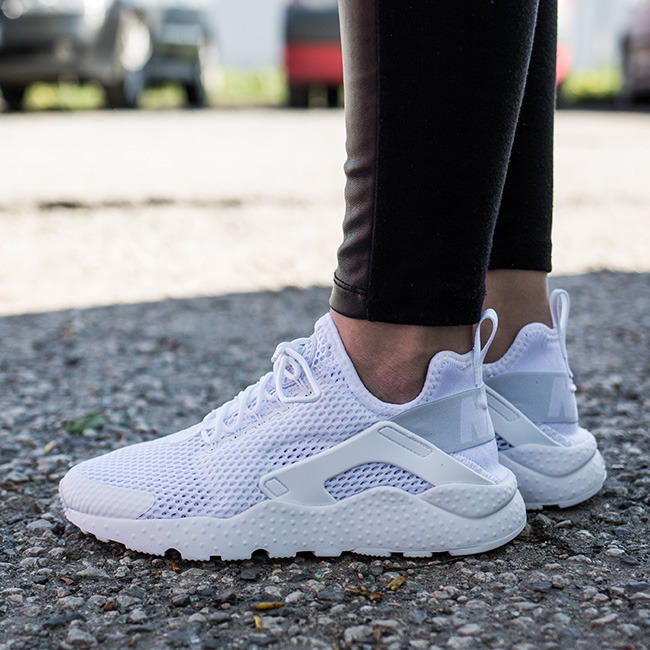 nike air huarache ultra women's all white