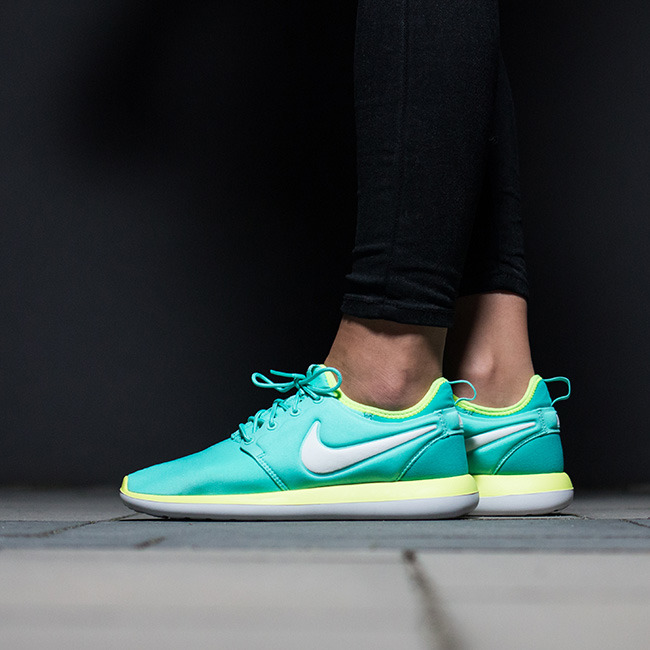 buy the Cheap Nike Roshe Two Series at the best price